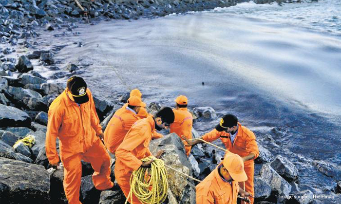 Oil spills causes and how to combat them