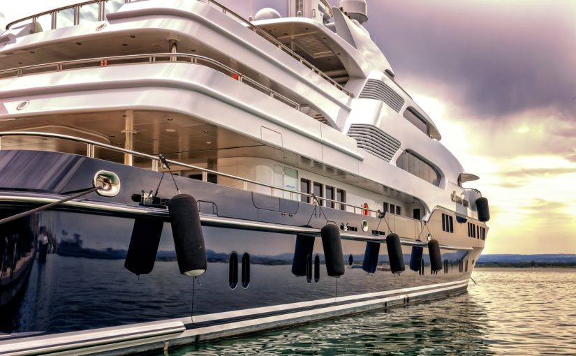 The Ultimate Guide to Choosing a Luxury Boat