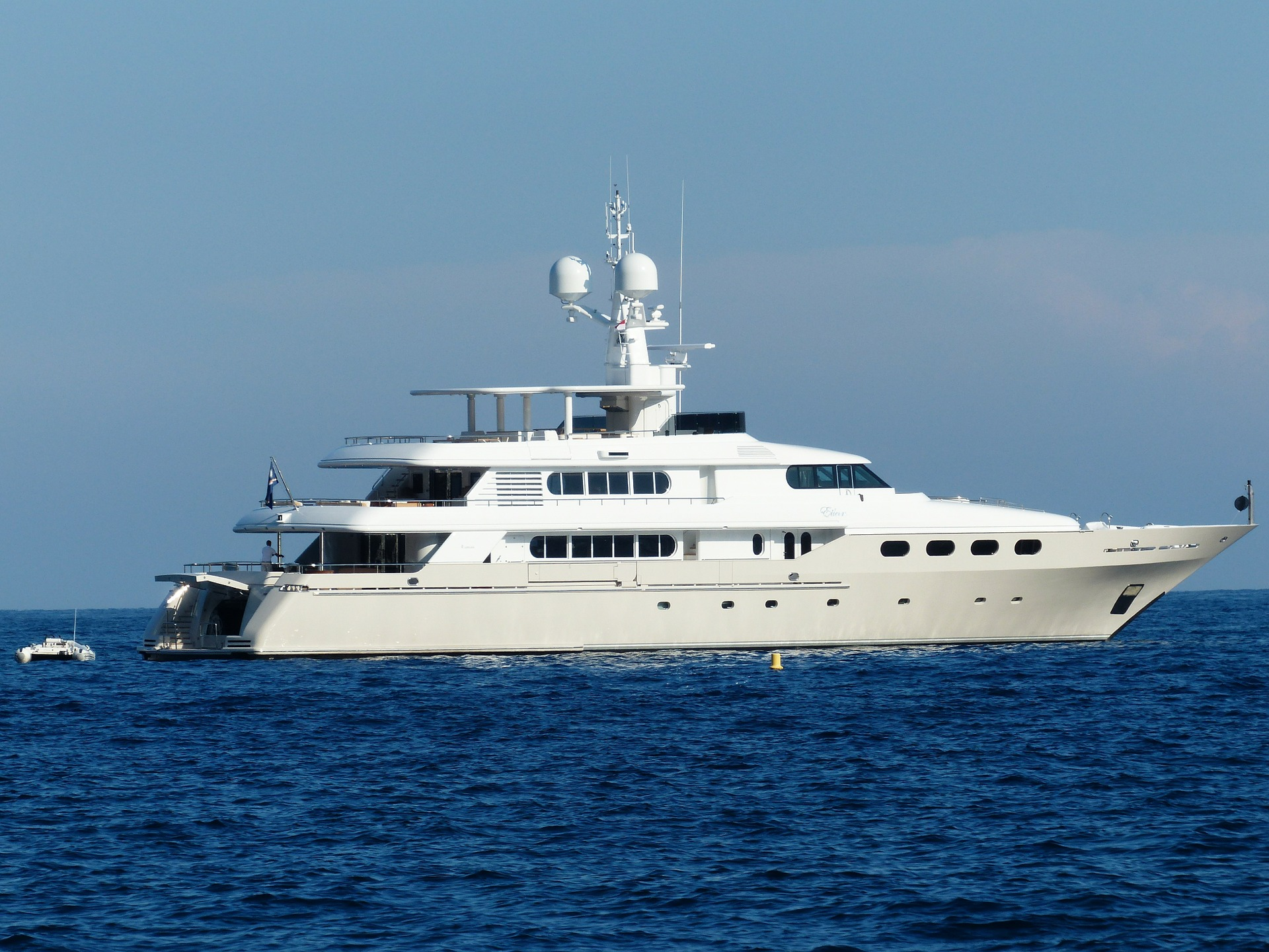 5 Factors That Affect The Future Of Luxury Boat Design